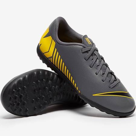 nike astro turf trainers Shop Clothing
